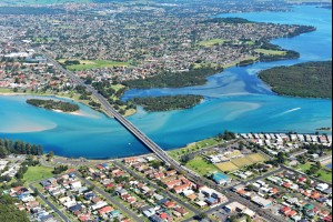Lake Illawarra, Windang Bridge