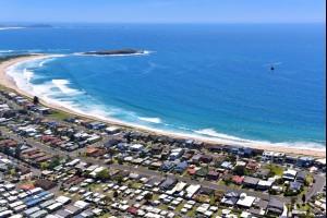 Warilla Beach, Australia