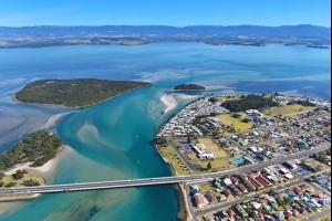 Windang Bridge, Lake Illawarra